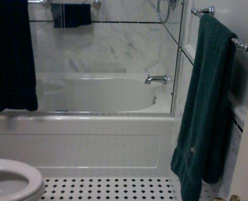 Stimetz Hall Bathroom tub