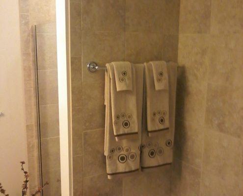 Rocker Bathroom 8