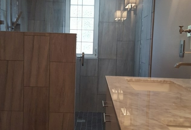 Handi capable bathroom grey tile